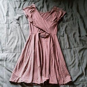 SO juniors XS pink/gray shortsleeve dress